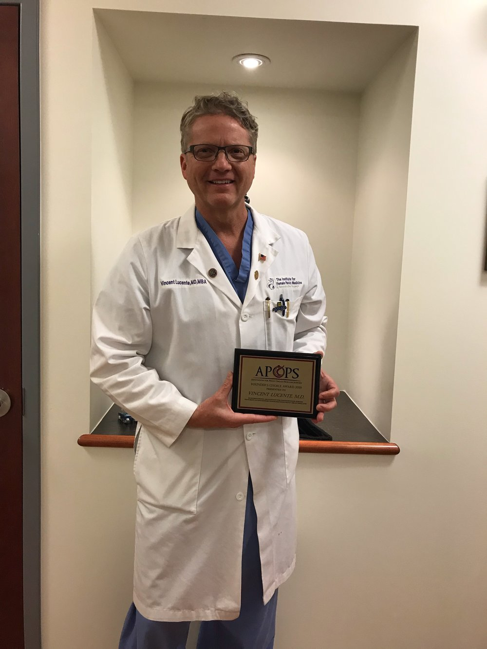Vince Lucente, MD, 2019 Recipient of APOPS Founder's Choice Award