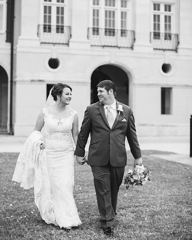 Rach and Scoot on their blissful wedding day ⠀ ⠀ #emilyanddaniel #weddingphotography #weddingday #walnutgrovelc #lakecharles #weddingday #louisiana