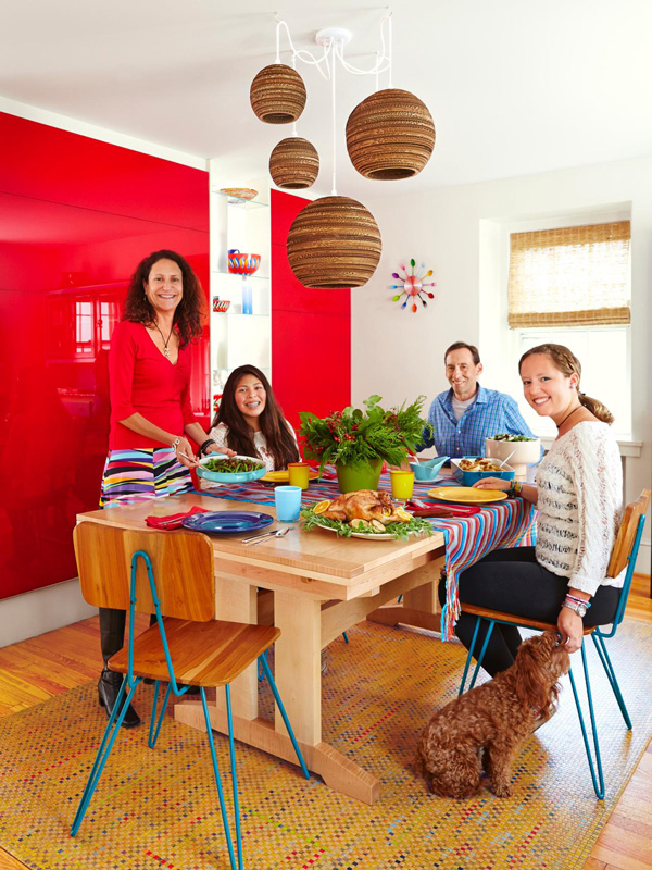 Ennis Nehez has been featured in the December 2014 issue of HGTV Magazine.