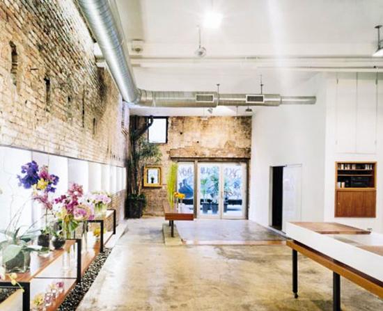 Commercial z davis interiors zehava davis z davis for Designs east florist interior