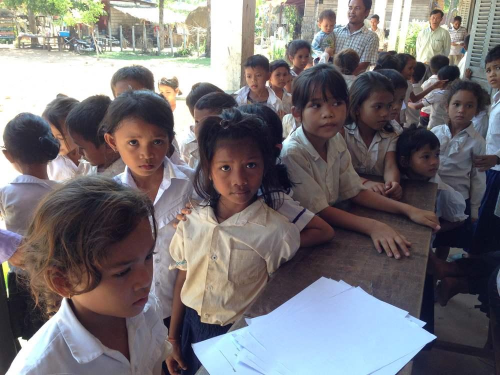 RURAL SCHOOL CHILDREN OUTSIDE PHNOM PENH-PHOTO BY JAYNA AMTING