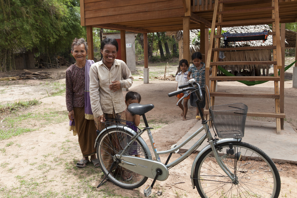 Volunteers Building Cambodia, Alyson Smith, Photographers Without Borders