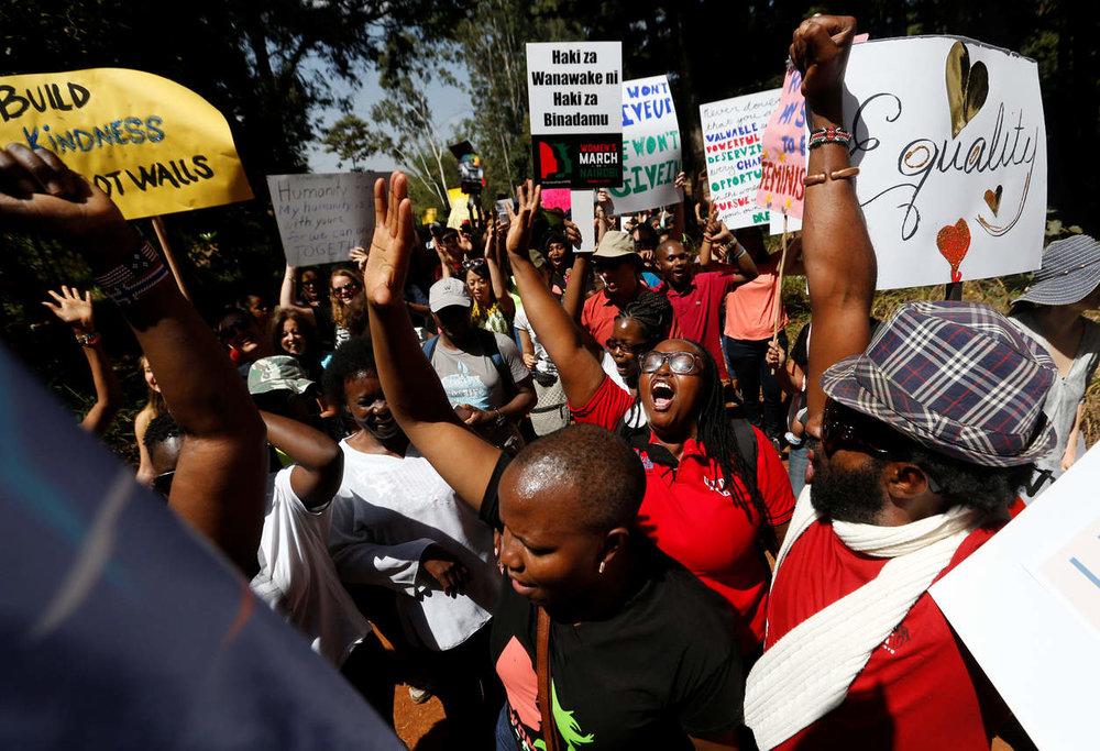 Women's March in Kenya. PHOTO BY THOMAS MUKOYA/RETEURS.