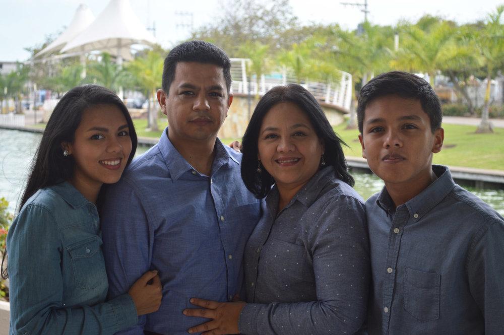 Xoca-family-ggf.jpeg
