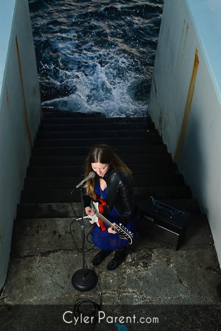 Ellisa Hartman - Vancouver Island Musician