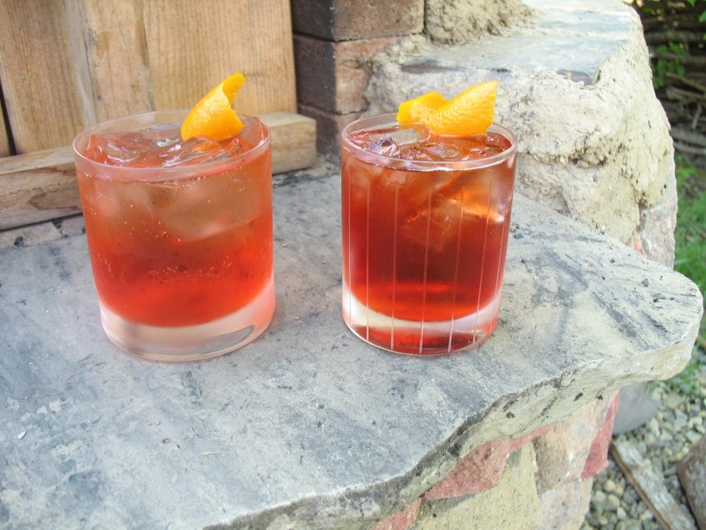 Negroni Sbagliato at left (the glass required that I scale the recipe up by about 1.5, oh well). Sbagliato Due, right