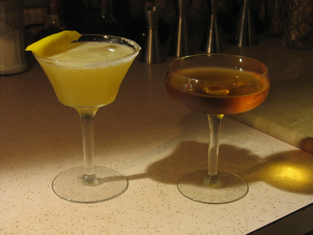 Tantris Sidecar left, San Martin right.