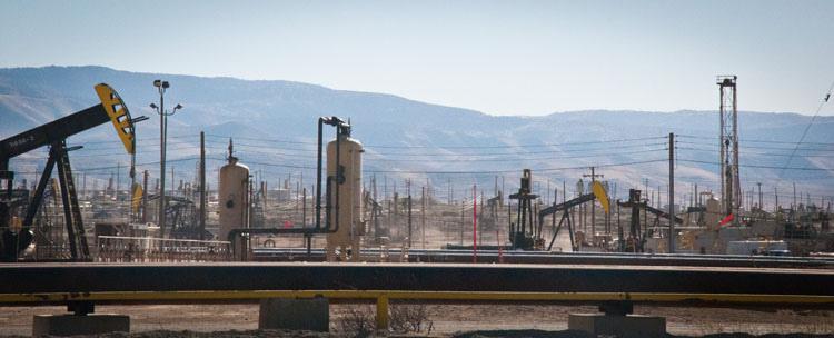 Petroleum Highway, CA