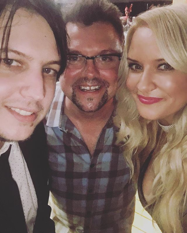 After party hangs with this guy! What a #countrymusic legend and seriously nice dude.. @stormewarren #CMCAwards #thisisqueensland @cmcaustralia