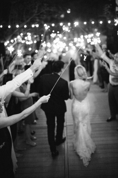 Wedding_sparkler_01.jpg