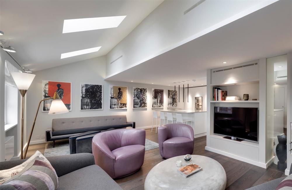 lounge (Large).jpg