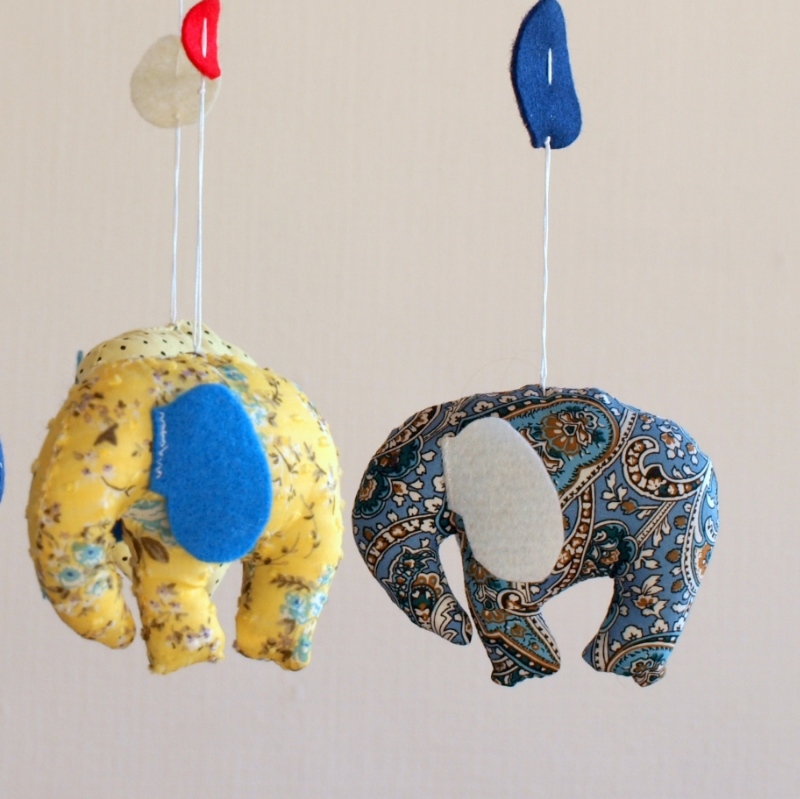 Elephants blue yellow 4.JPG
