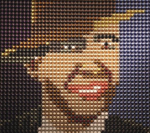 O trabalho com cápsulas de café Nespresso do artista argentino Eduardo Pla