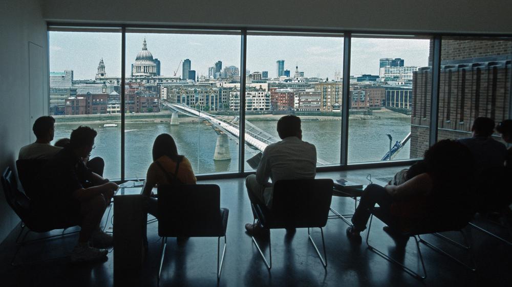 Tate_modern_london_2001_06.jpg