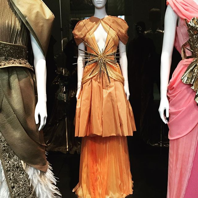 Inspiration for just about anything! 🧡 #rodarte #interiordesign #textiles #architecture #art #design