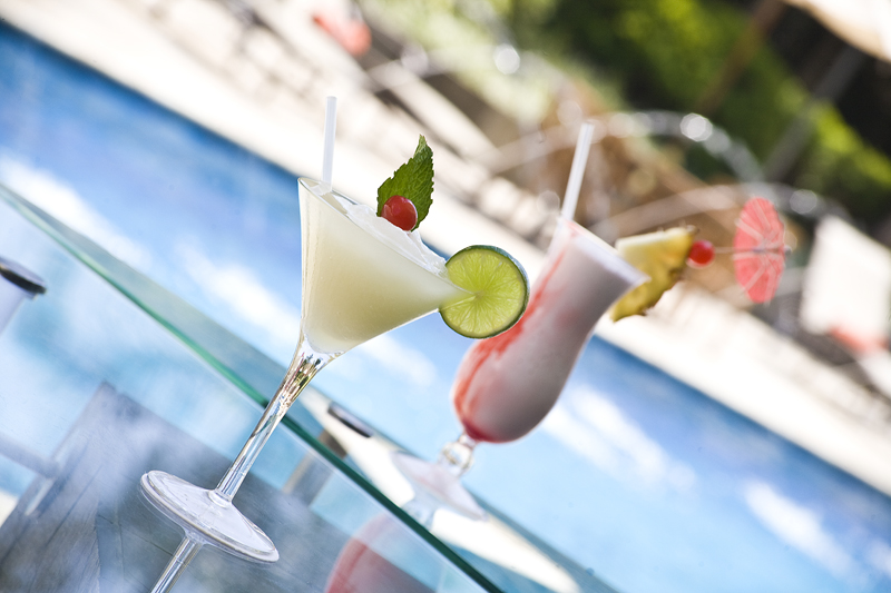 Hotel Lido Valencia tragos piscina LQ0009.jpg