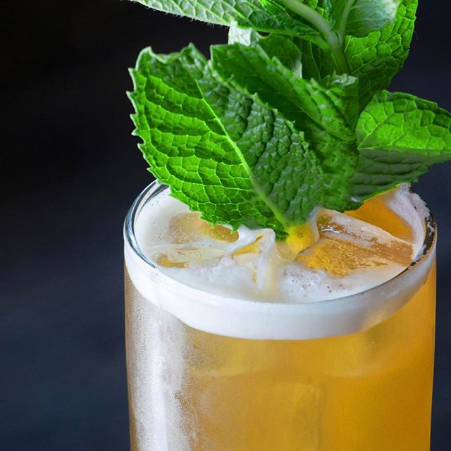 Spring cocktails y'all! Come get some dranks tonight. Free mac and cheese and happy hour with @jacksonfineprint 6-8pm.
