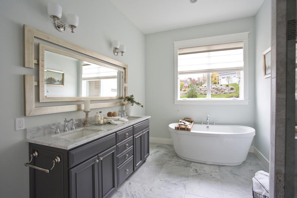 Master Bathroom_4B9A5338-1.jpg