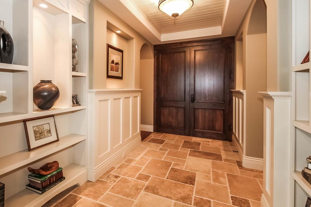 hallway-p470239.jpg