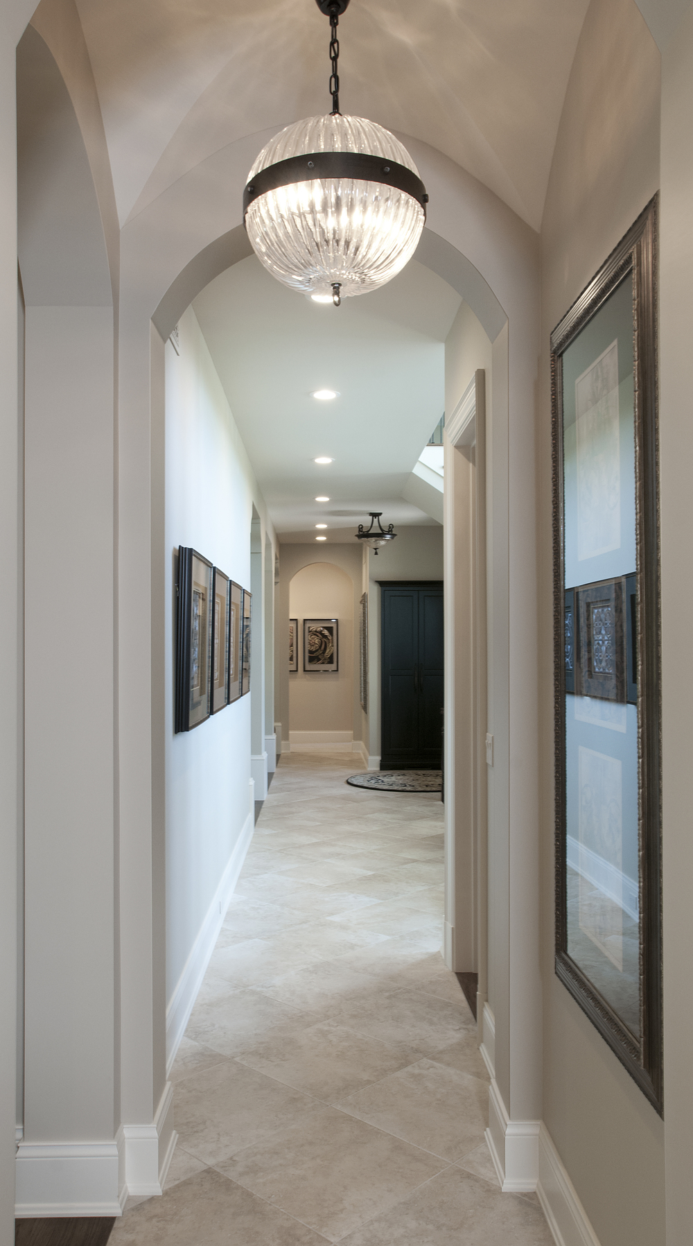 Hallway_DSC1429.jpg