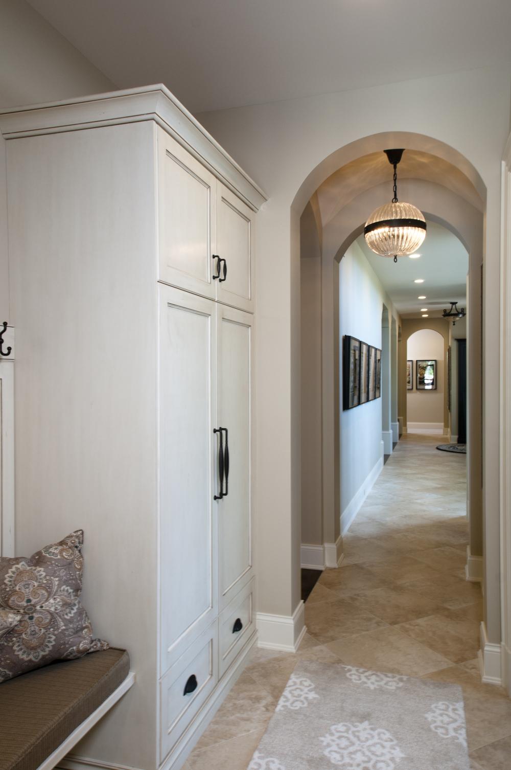Hallway_DSC1439.jpg