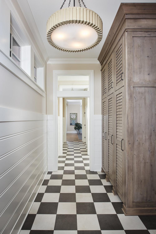 Hallway_049.jpg