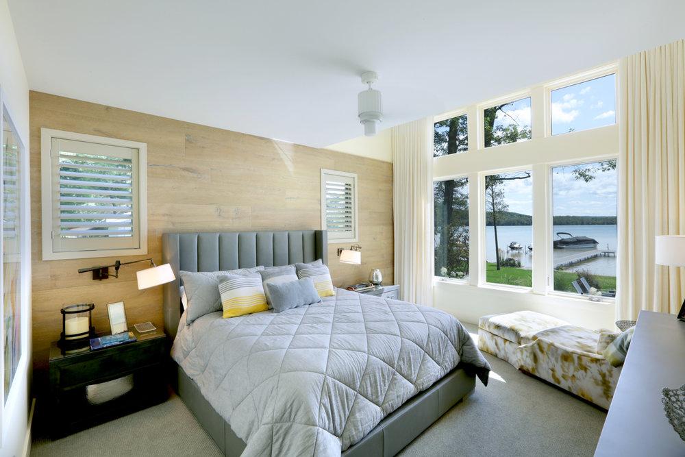 Master Bedroom 0000464.jpg
