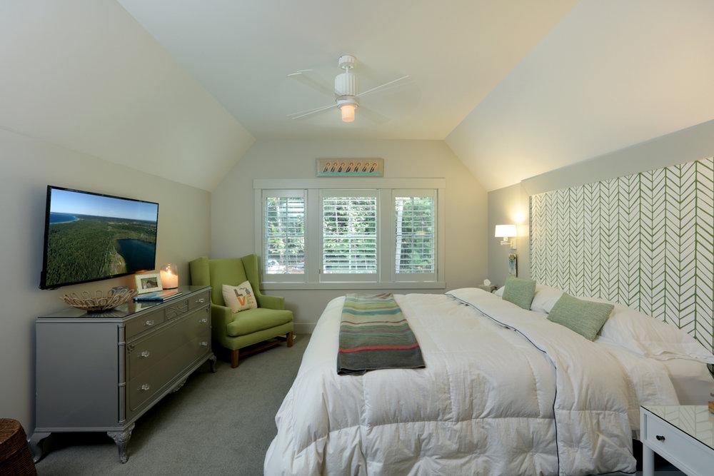 Bedroom 0000131.jpg
