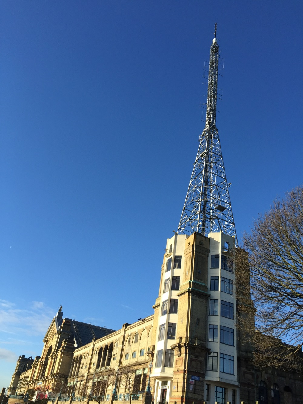 'Ally Pally' in the winter sun