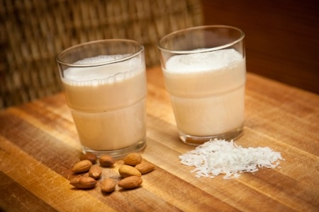 ALMOND SESAME MILK