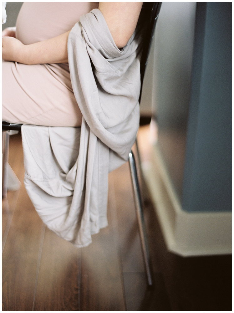 In Home Maternity Session | Fine Art Family Photographer | Seattle Family Photographer | destinations Worldwide