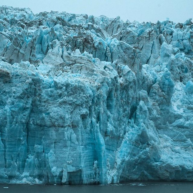 That is one big ice cube! - - - - #naturephotography #glacier #hubbard #ocean #naturelovers