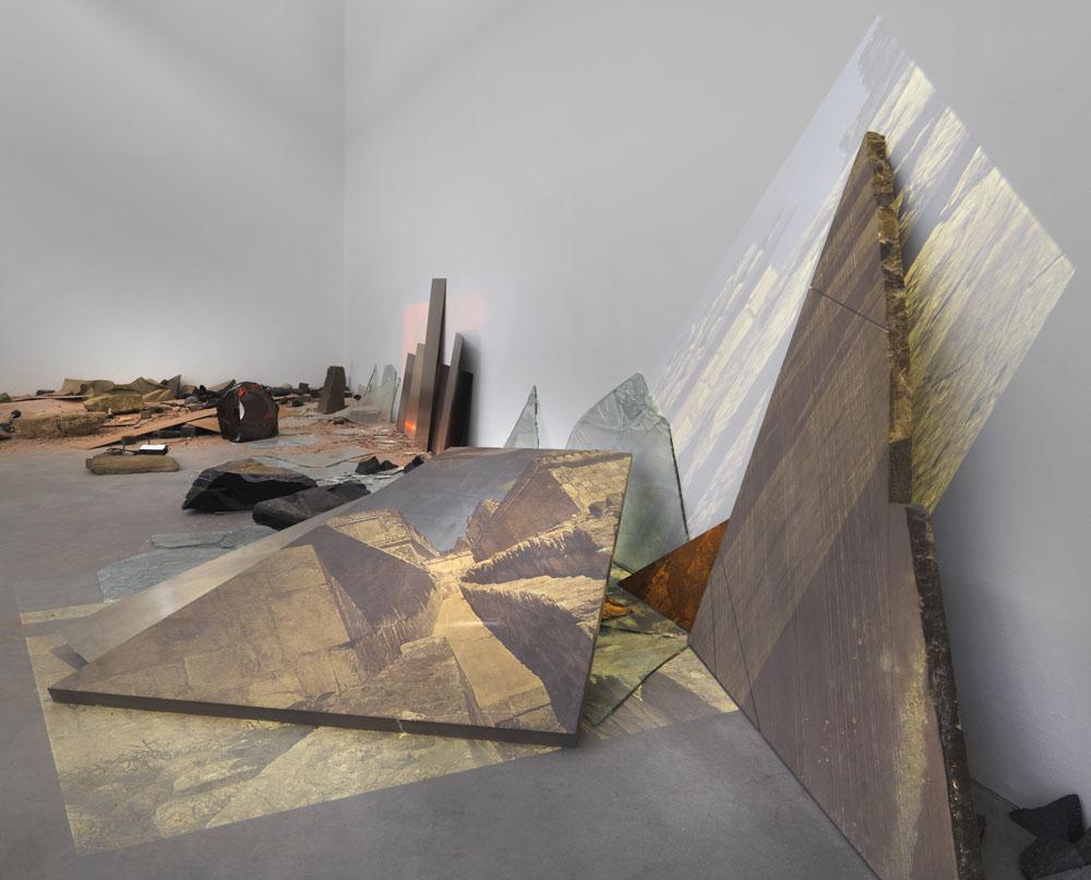 Katya Gardea Browne,  Culture Ruin as World Atlas - Aztec Gold, 2017,Ausstellungsansicht  Ruinen der Gegenwart , Maschinenhaus M2, Foto: Jens Ziehe 2017