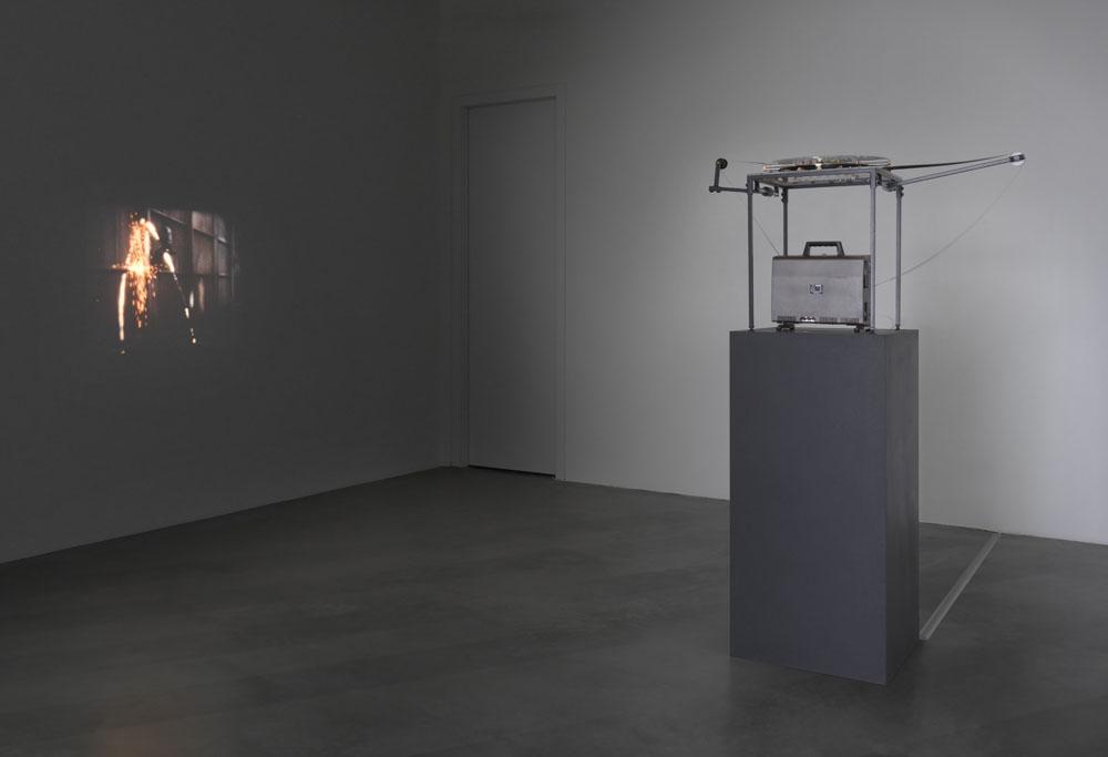 Gordon Matta-Clark,  Day's End , 1975, Ausstellungsansicht  Ruinen der Gegenwart , Maschinenhaus M1, Foto: Jens Ziehe 2017