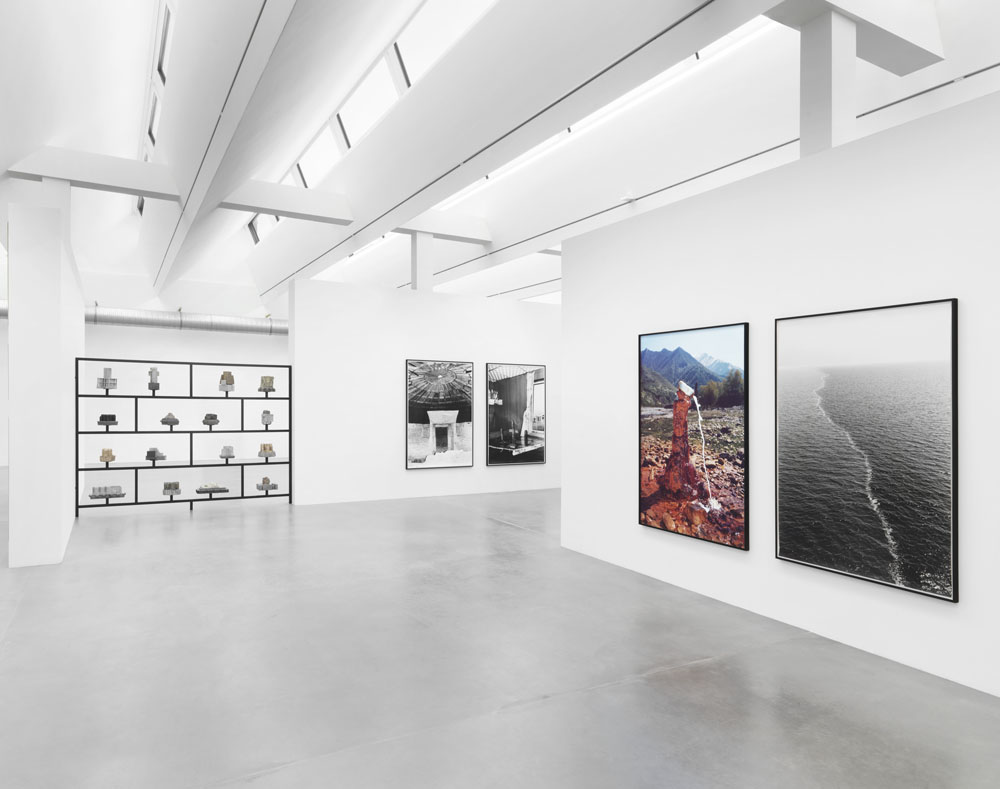 Taiyo Onorato & Nico Krebs,  Defying Gravity , Ausstellungsansicht Maschinenhaus M2, Foto: Jens Ziehe, 2018