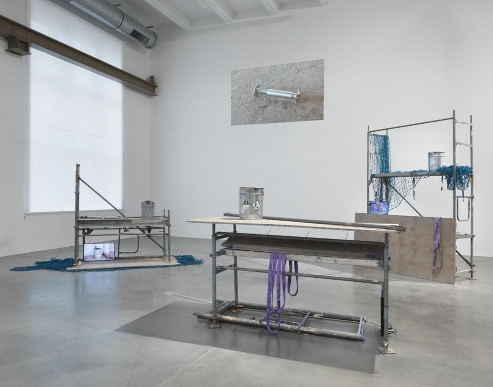 Sofia Hultén:  Unstable Fakers of Change in Self , Ausstellungsansicht KINDL – Zentrum für zeitgenössische Kunst; © Sofia Hultén / VG BILD-KUNST, Bonn, 2018; Foto: Jens Ziehe, 2018