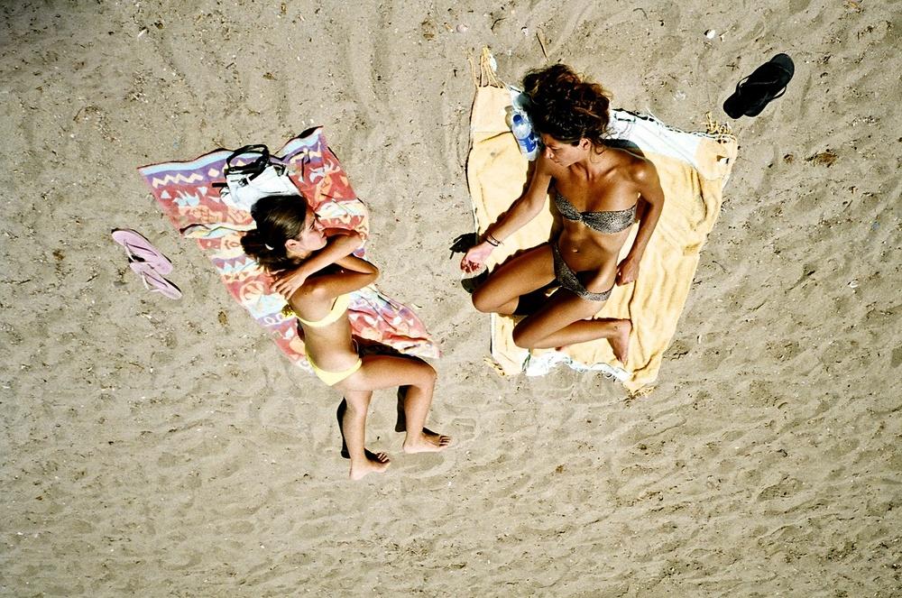 beachgirls.jpg
