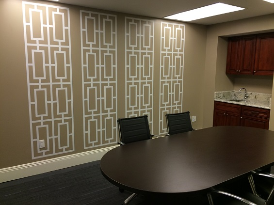 Thank you to Maria for sharing this photo of the Business Center of Four Winds Nola in New Orleans using our Geometric Screens wall decals. (shown here in white)