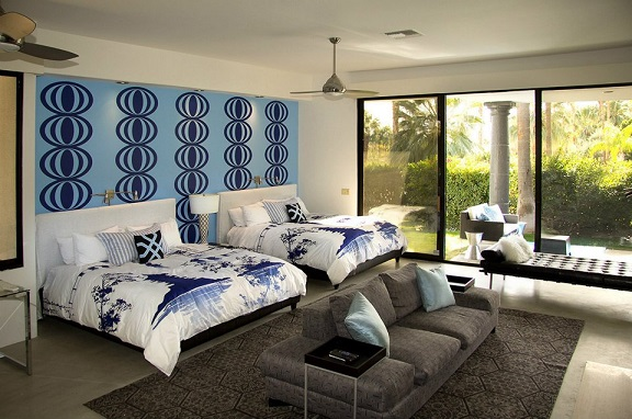 Our Retro Circles wall decal as seen in psLUX Palm Springs Luxury Vacation Rentals. (Photo credit: Keith, psLUX)