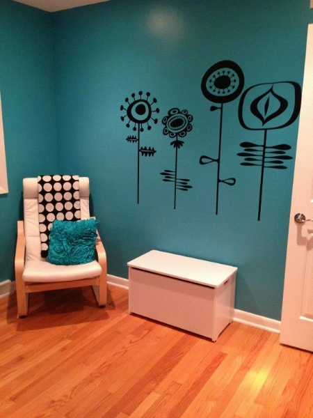 Thanks to Jill for sharing this photo of her completed project using our Retro Flowers wall decal.