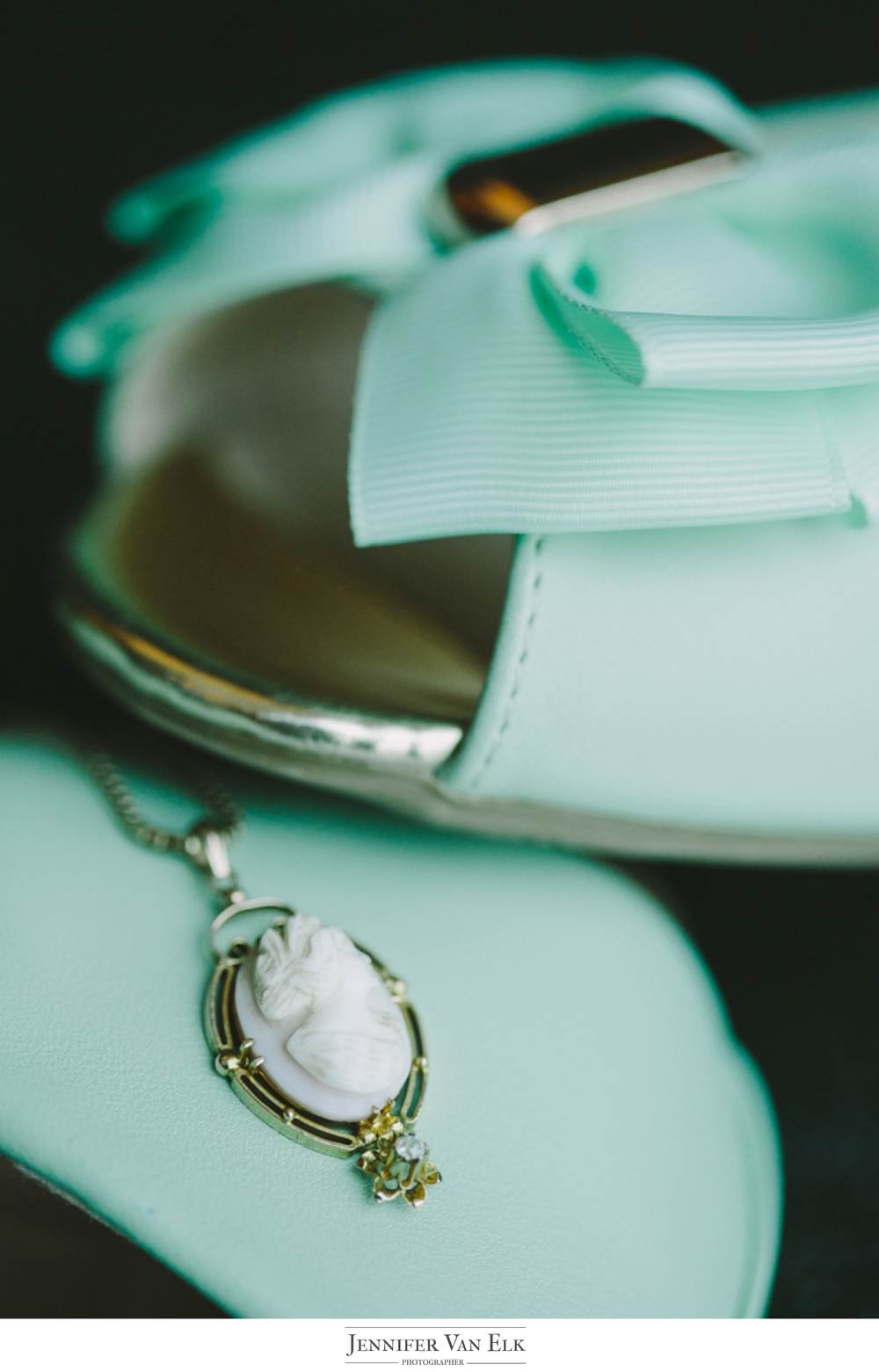 003 indianapolis bride necklace and shoes.jpg