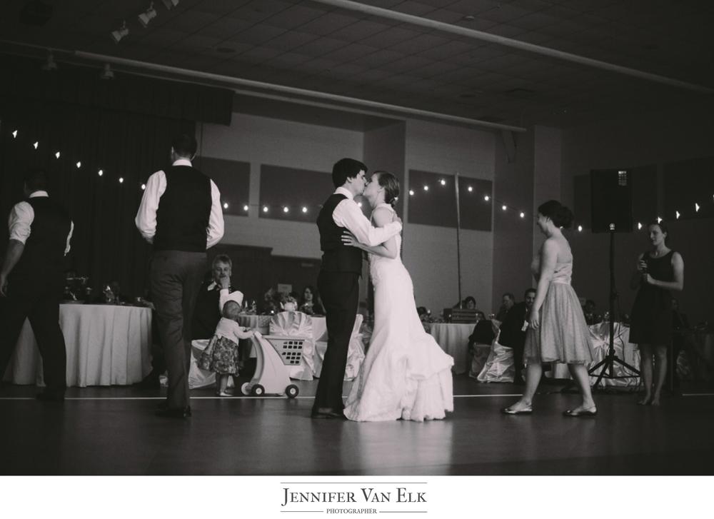 041 Bride and groom kiss.jpg