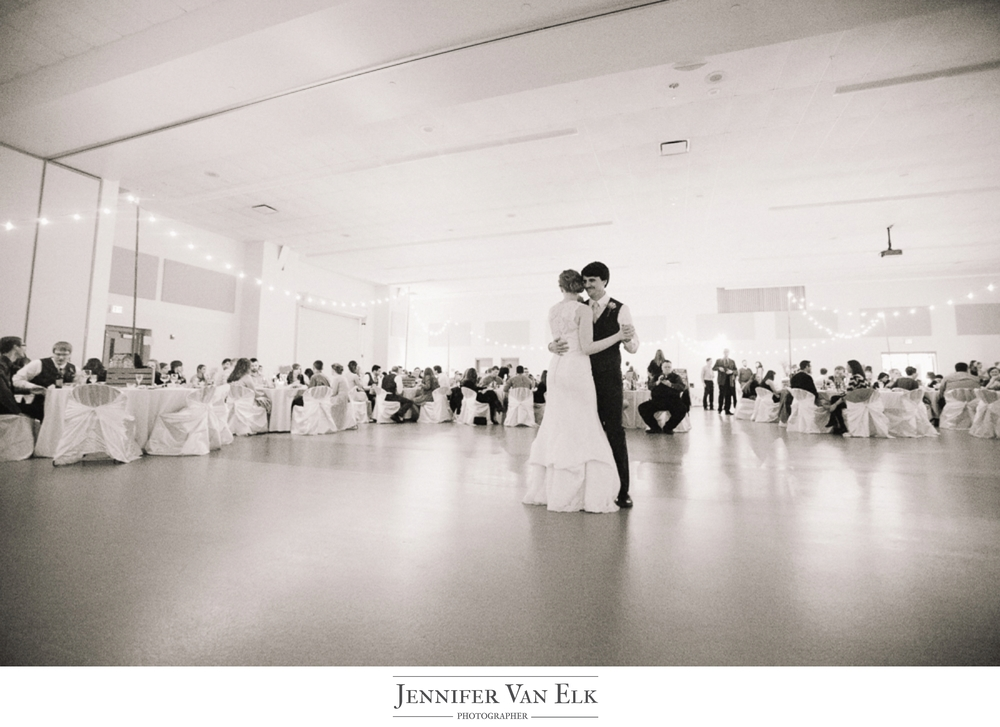 046 Indianapolis first dance wedding.jpg