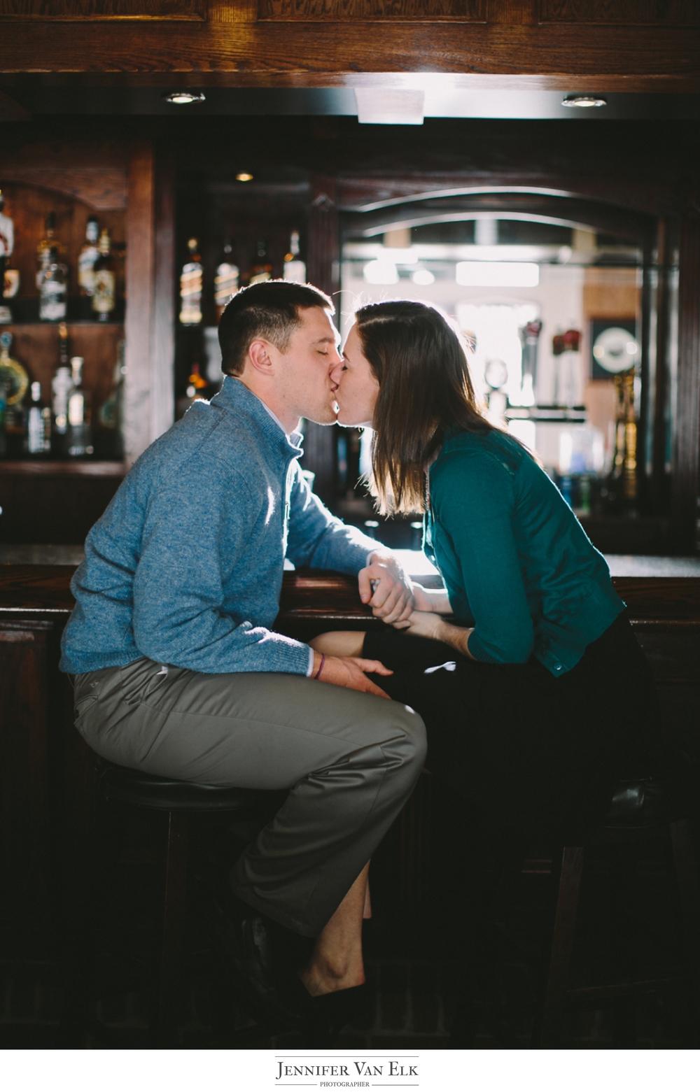 037 Indianapolis bar engagement.jpg