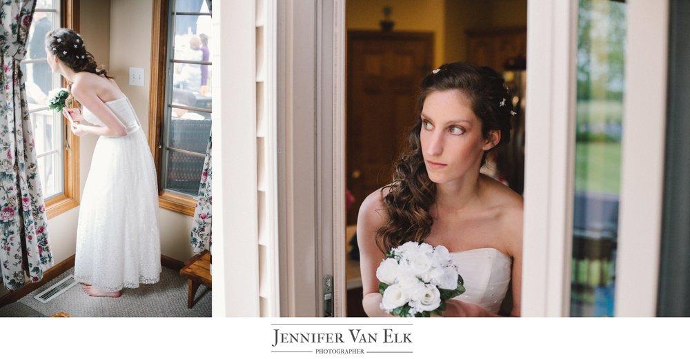 047 bride looking out.jpg