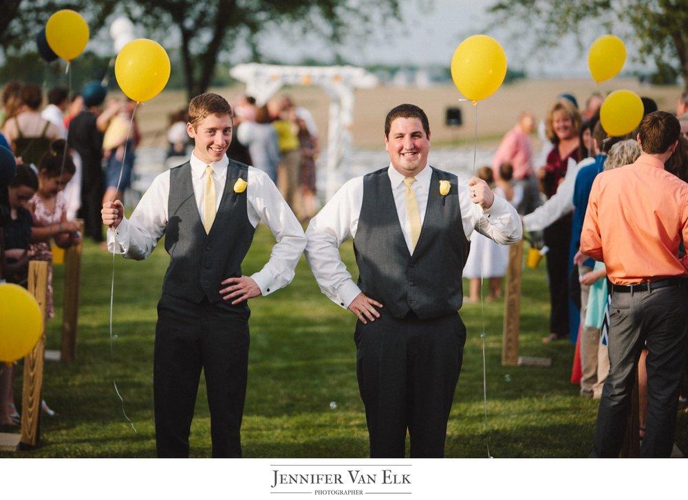 061 groomsmen with balloons.jpg