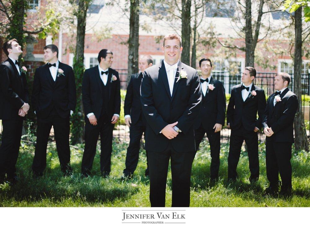 021 groom with groomsmen.jpg