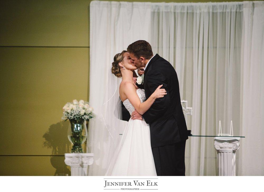 042 First kiss.jpg