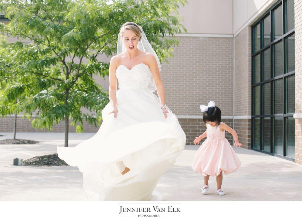 046 bride with flower girl.jpg