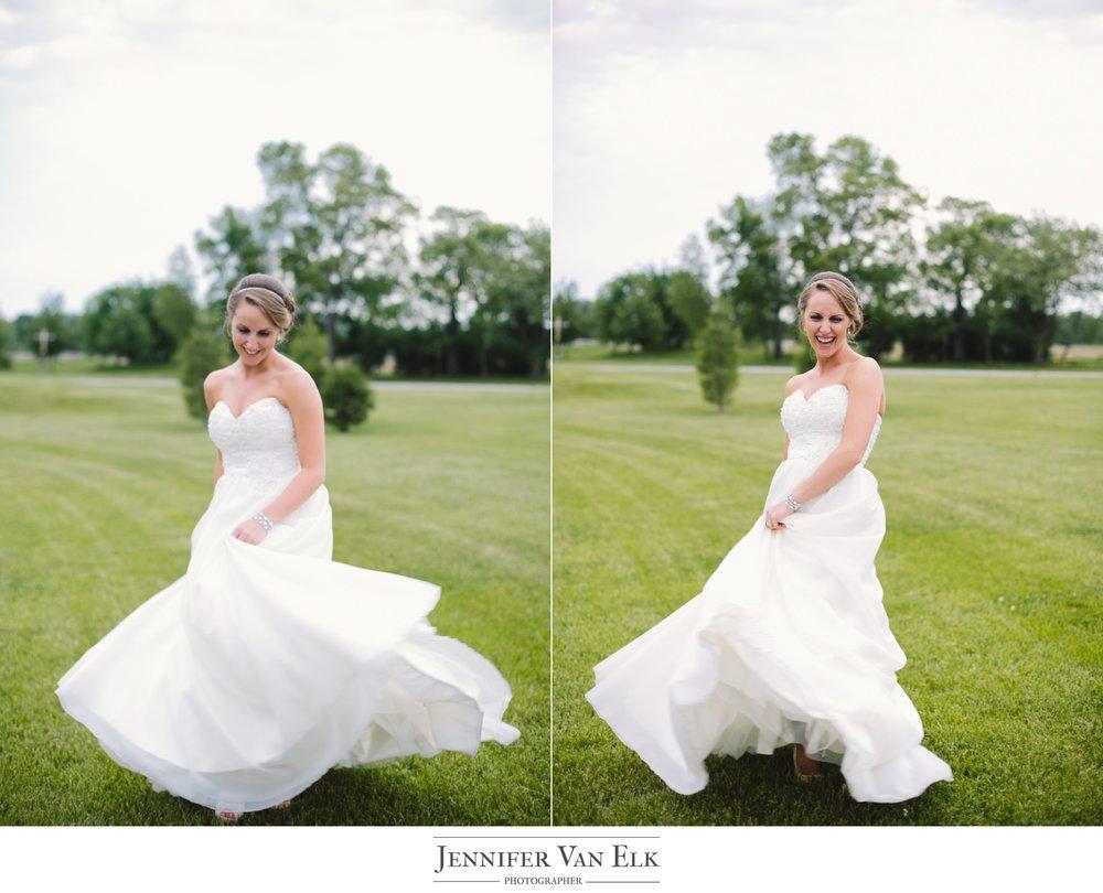 065 bride spinning.jpg